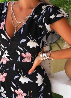 Blomstrete Trykk A-line kjole V-hals Kortermer Midi Avslappet Ferie skater Motekjoler