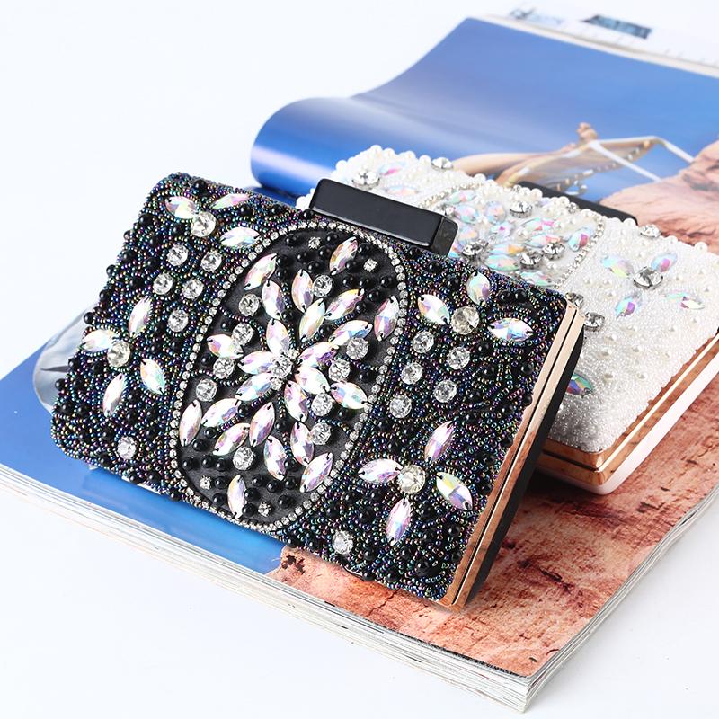 Elegant/Nydelig/Unik/Sjarm Satin med Krystall / Rhinestone/Profilering Topp Håndtak Vesker