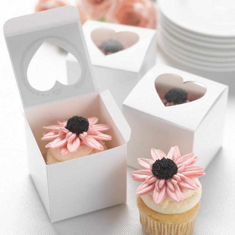 Hjerte Cut–outs Cubic Kort papir Favorittbokser og containere/Cupcake Bokser (sett av 12)