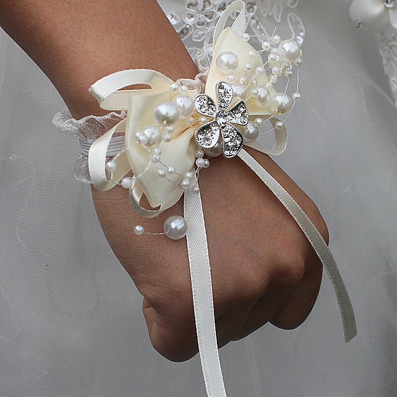 Fri Form Satin Håndledd Corsage (som selges i et enkelt stykke) -