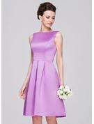 A-Line/Princess Scoop Neck Knee-Length Satin Bridesmaid Dress With Ruffle