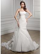 Trumpet/Mermaid Sweetheart Chapel Train Organza Wedding Dress With Ruffle