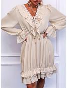 Blonder Solid A-line kjole V-hals Lange ermer Midi Elegant skater Motekjoler