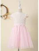 Ball-Gown/Princess Knee-length Flower Girl Dress - Tulle/Lace Short Sleeves Scoop Neck