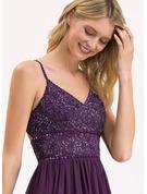 A-formet V-hals Gulvlengde Chiffong Blonder Brudepikekjole med Profilering paljetter