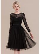 A-Line Scoop Neck Knee-Length Tulle Cocktail Dress
