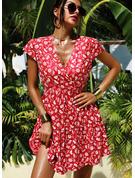 Blomstrete Trykk A-line kjole V-hals Cap-erme Midi Avslappet Ferie skater Motekjoler