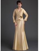Trumpet/Mermaid V-neck Floor-Length Taffeta Mother of the Bride Dress With Ruffle Flower(s)