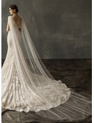 One-tier Cut Edge Chapel Bridal Veils With Rhinestones