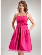 Empire Scoop Neck Knee-Length Taffeta Maternity Bridesmaid Dress With Ruffle Bow(s)