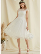 A-Line Scoop Neck Knee-Length Tulle Lace Wedding Dress With Sequins