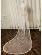 One-tier Lace Applique Edge Chapel Bridal Veils With Faux Pearl/Lace