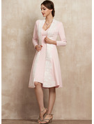 Sheath/Column V-neck Knee-Length Stretch Crepe Mother of the Bride Dress