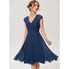 A-Line V-neck Knee-Length Chiffon Cocktail Dress With Ruffle (016230173)