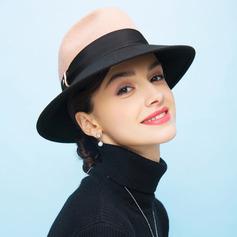 Damene ' Ull Diskett Hatt