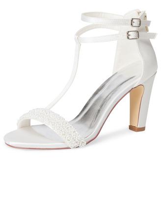 Women's Cloth Sandals With Applique