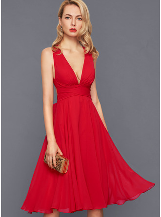 V-Neck Sleeveless Midi Dresses