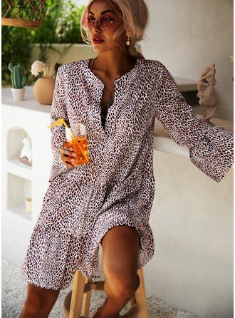 Leopard V-Neck Long Sleeves Flare Sleeve Midi Dresses