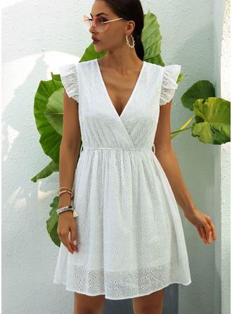 Solid A-line kjole V-hals Cap-erme Midi Avslappet skater Motekjoler