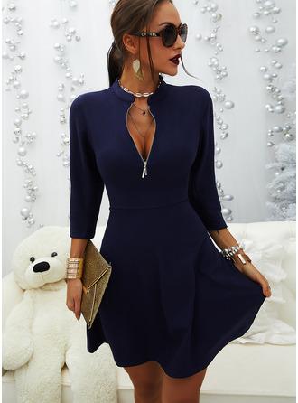 Solid A-line kjole V-hals Trekvart ermer Midi Avslappet Lille svarte skater Motekjoler