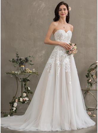 Ball-Gown/Princess Sweetheart Court Train Tulle Wedding Dress