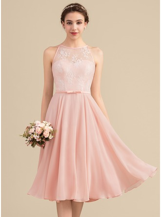 A-Line Scoop Neck Knee-Length Chiffon Lace Bridesmaid Dress With Bow(s)