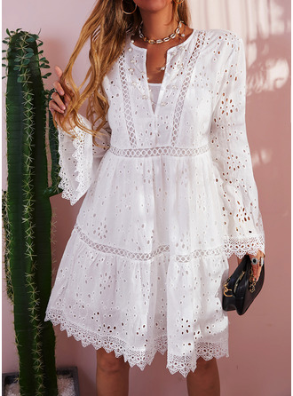 Lace Solid Shift V-Neck Long Sleeves Flare Sleeve Midi Casual Tunic Dresses