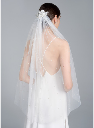 One-tier Cut Edge Fingertip Bridal Veils With Satin Flower
