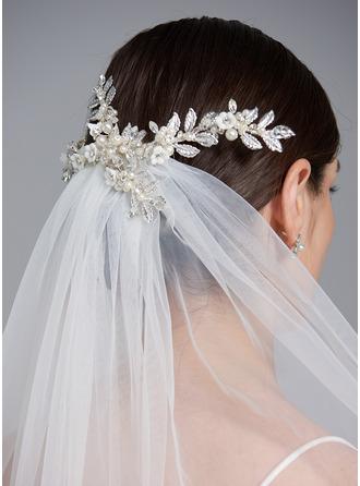 One-tier Cut Edge Fingertip Bridal Veils With Rhinestones/Sequin