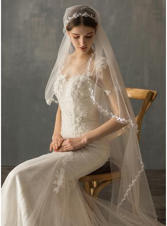One-tier Fingertip Bridal Veils