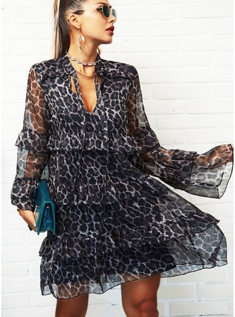 Leopard Shift V-Neck Long Sleeves Flare Sleeve Midi Elegant Dresses