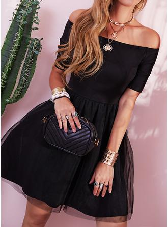 Solid A-line kjole Bare skuldre 1/2-ermer Midi Elegant Lille svarte Party vintage stil skater Motekjoler