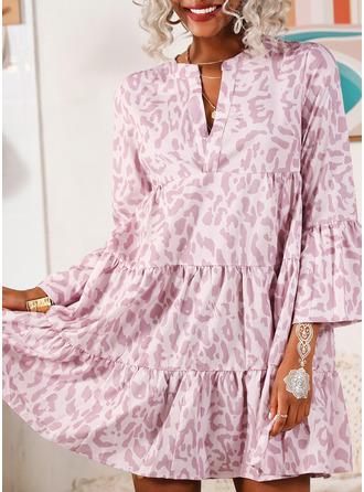 Print Shift V-Neck Long Sleeves Flare Sleeve Midi Casual Dresses