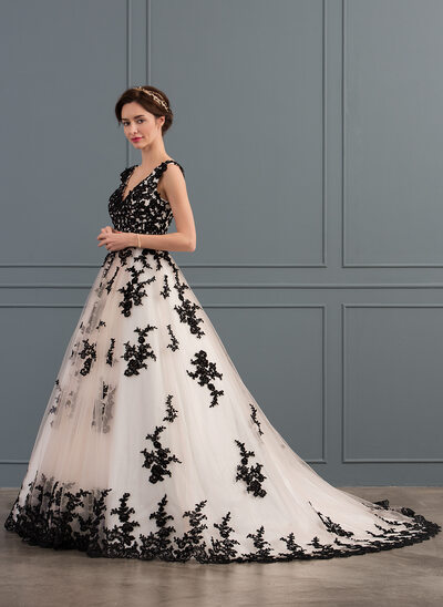Ball-Gown V-neck Court Train Tulle Wedding Dress With Appliques Lace