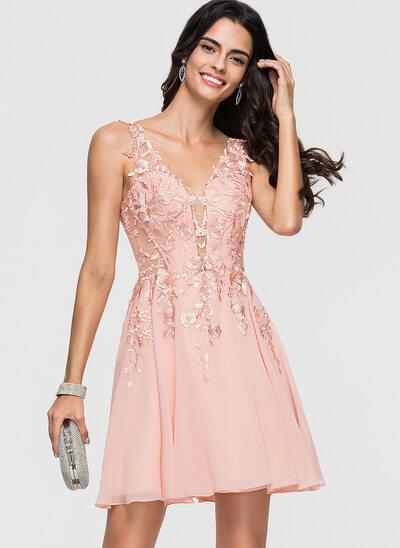 A-Line/Princess V-neck Short/Mini Chiffon Cocktail Dress With Lace Beading