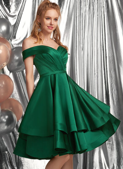 A-Line Off-the-Shoulder Knee-Length Satin Prom Dresses With Ruffle