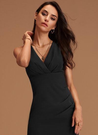 Sheath/Column V-neck Knee-Length Stretch Crepe Cocktail Dress