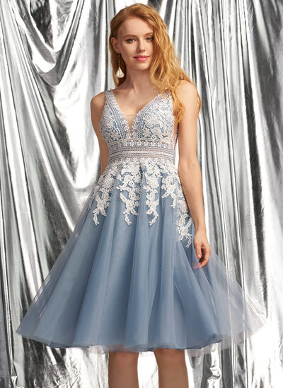 A-Line V-neck Knee-Length Tulle Prom Dresses
