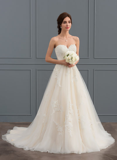 Ball-Gown/Princess Sweetheart Court Train Tulle Wedding Dress With Ruffle Beading