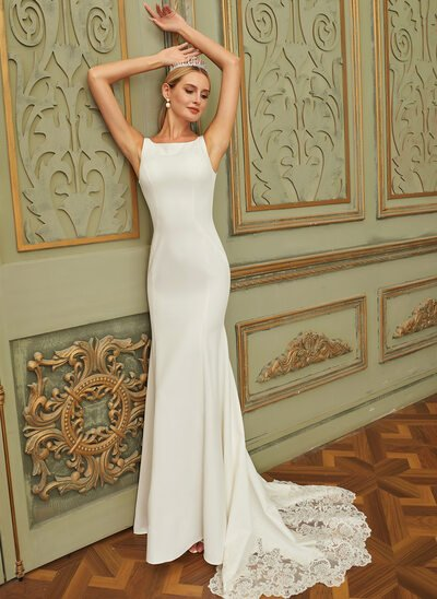 Trumpet/Mermaid Scoop Neck Court Train Chiffon Lace Wedding Dress With Lace