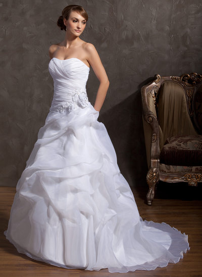 Ball-Gown Sweetheart Court Train Organza Wedding Dress With Beading Appliques Lace Flower(s)