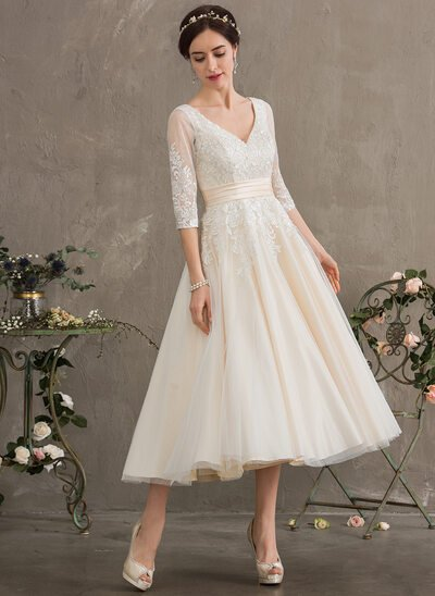 Ball-Gown/Princess V-neck Tea-Length Tulle Wedding Dress