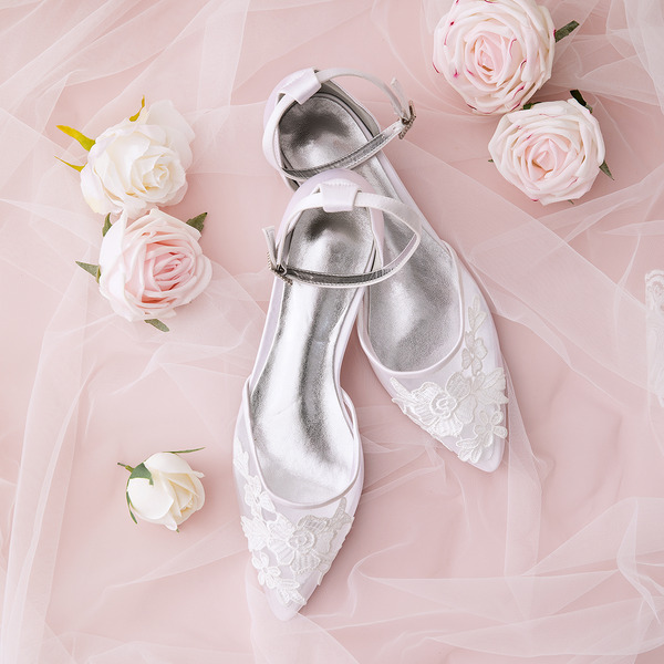 Women's Mesh Flat Heel Closed Toe Flats With Applique